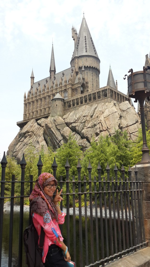 Me in front of Hogwarts Castle, Wizarding World of Harry Potter, Universal Studio Japan