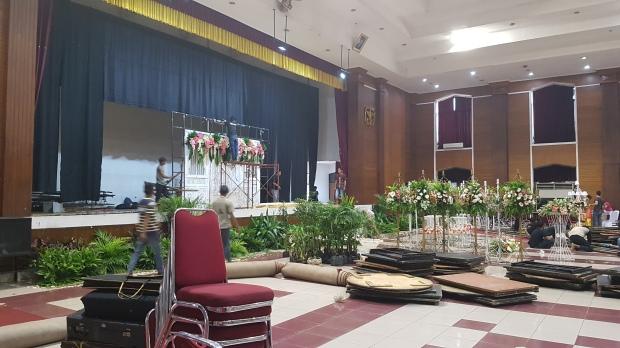 Area panggung pelaminan Gedung Balkom Cijantung